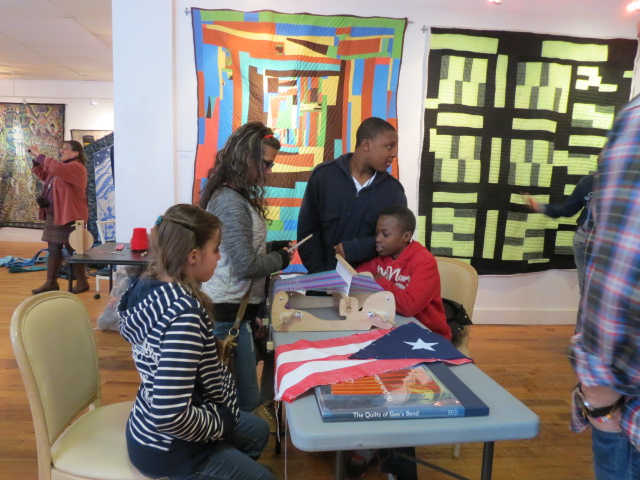 Bridgeport students learn about weaving and view Gee's Bend quilts at City Lights